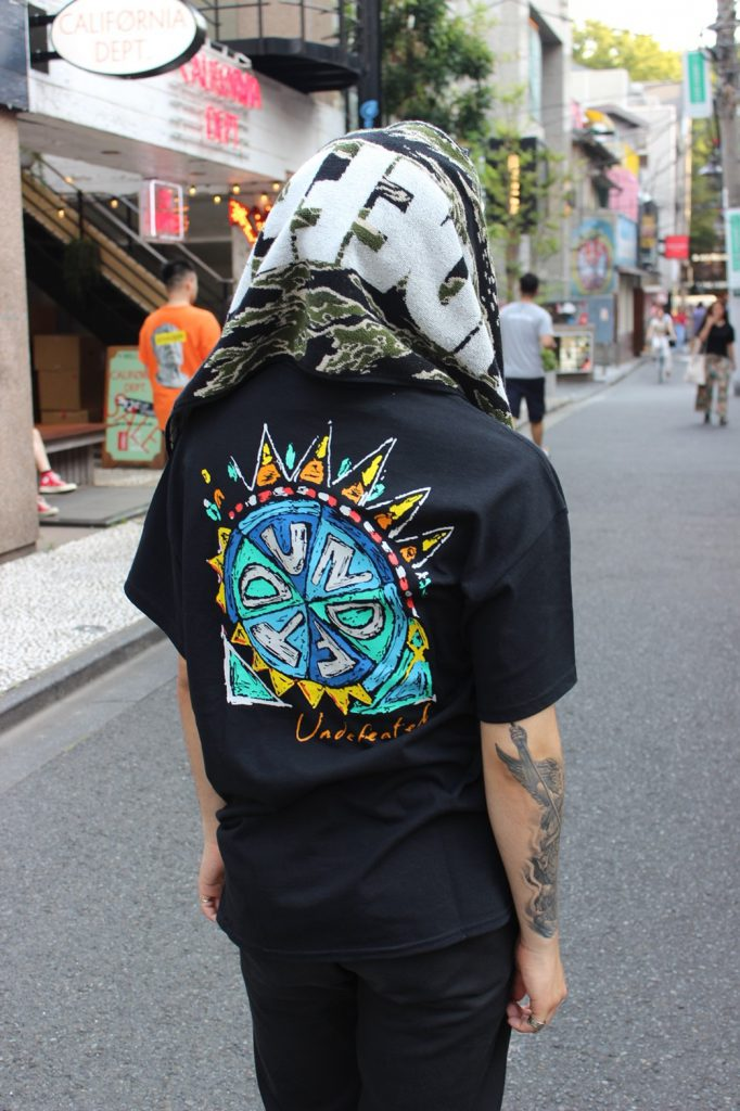 Style Sample #114【UNDEFEATED SCRIBBLE S/S TEE / UNDEFEATED TRIBAL S/S TEE】