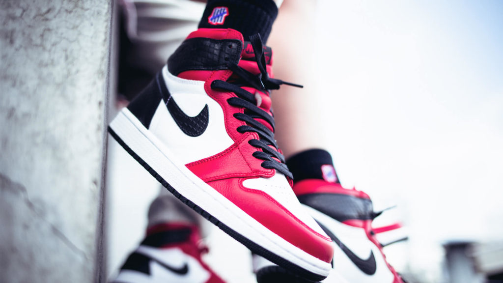 "WMNS Air Jordan 1 Retro High OG ""Satin Snake Red"""
